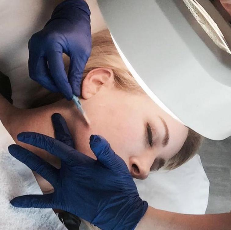 Dermaplaning Mastery Class