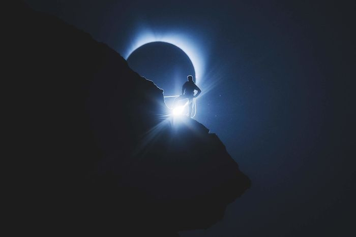 8 OF THE COOLEST PHOTOS OF THE 2017 SOLAR ECLIPSE