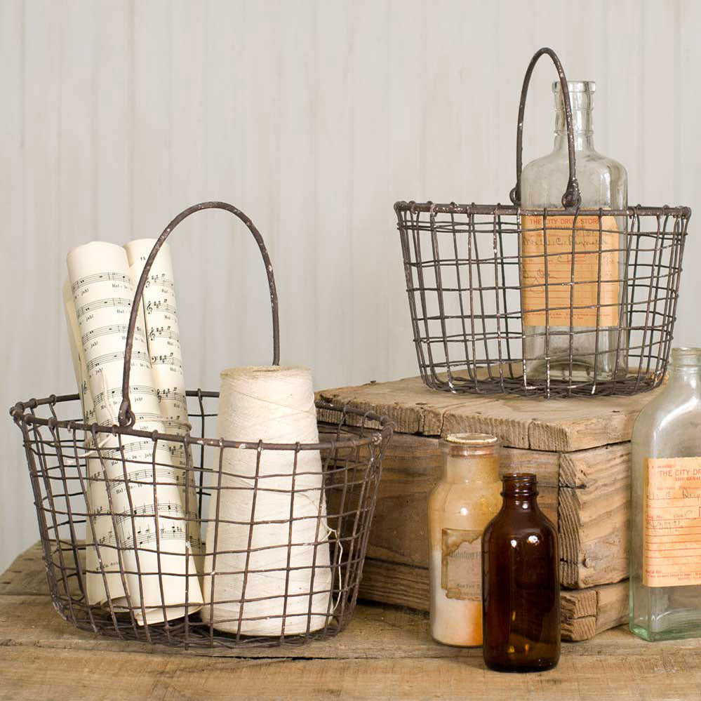 hese two baskets nest for easy shipping and storage.