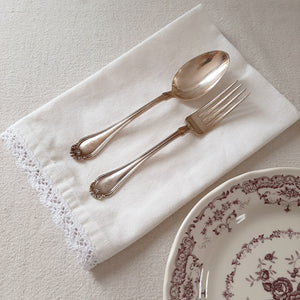 White Lace and Cotton Napkins, Set of four