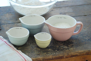 Farmhouse Stoneware Measuring Cup Set
