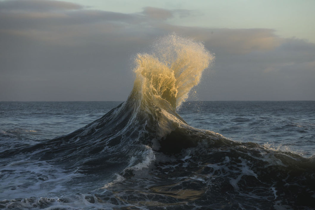 Waves in the Pacific Ocean, San Pedro, Los Angeles, California, USA