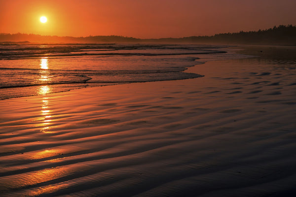 Waves rolling into Long Beach at sunset, Pacific Rim National Park Reserve, Vancouver Island, British Columbia, Canada