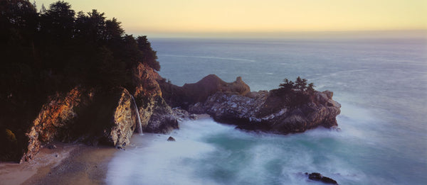 McWay Cove withÊMcWay Falls, Julia Pfeiffer Burns State Park, California, USA
