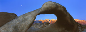 Natural rock formations, Alabama Hills Natural Arch, Mobius Arch, Movie Road, Lone Pine, California, USA