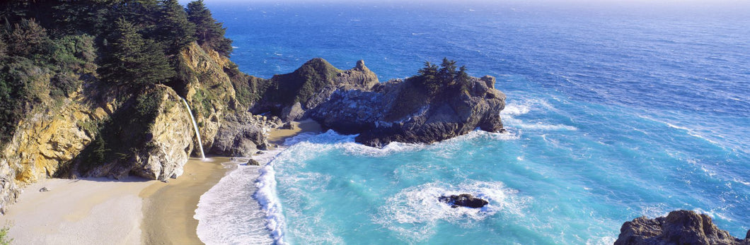 McWay Falls, McWay Cove, Julia Pfeiffer Burns State Park, Big Sur, California, USA