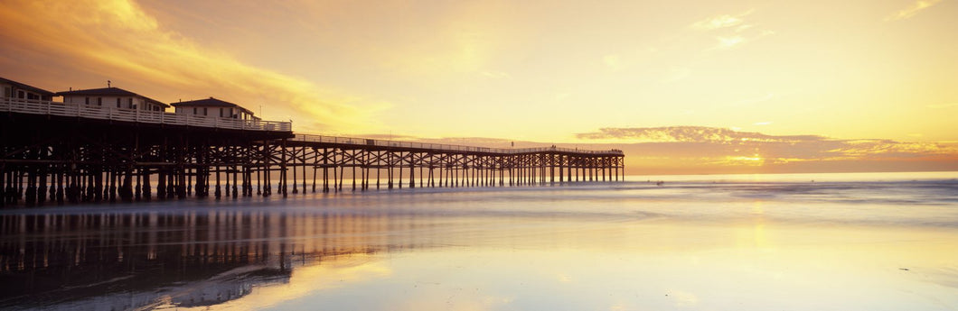 Pier over ocean, San Diego, California, USA