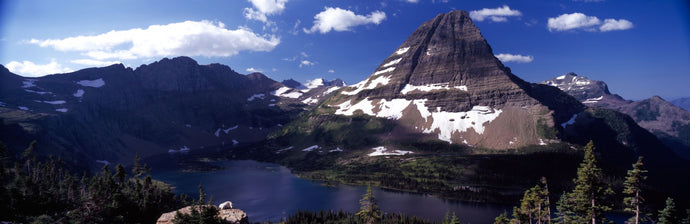 Mountain range at the lakeside, Bearhat Mountain, Hidden Lake, Us Glacier National Park, Montana, USA