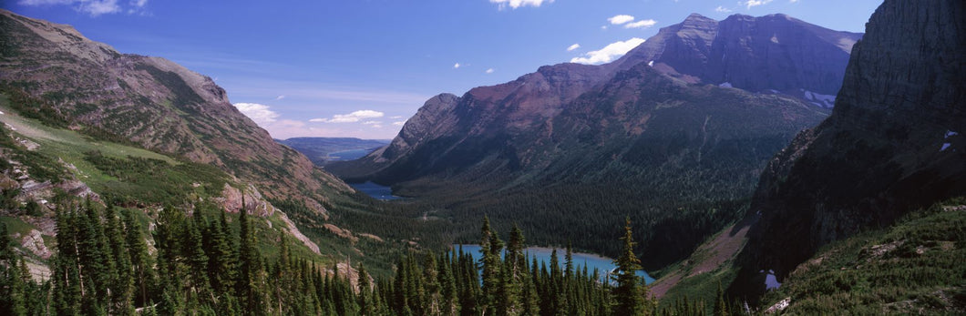 Lake surrounded with mountains, Alpine Lake, US Glacier National Park, Montana, USA