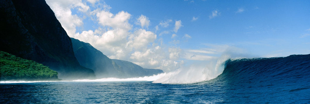 Waves in the sea, Molokai, Hawaii