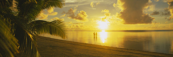 Silhouette Of A Couple Standing On The Beach, Aitutaki, Cook Islands, French Polynesia