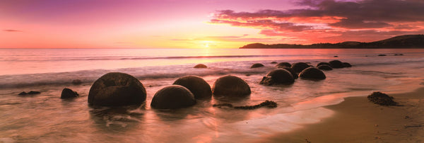 Moeraki Boulders on the beach at sunrise, Moeraki, Otago Region, South Island, New Zealand
