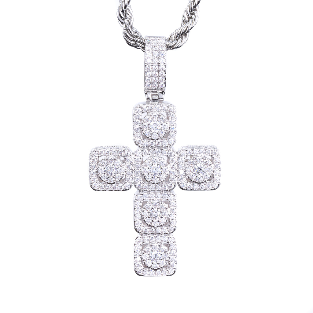 CROSS CLUSTER PENDANT
