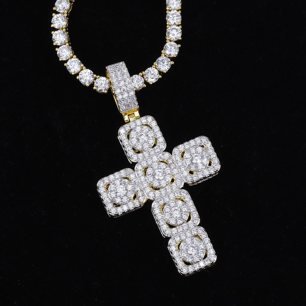 CLUSTERED CROSS PENDANT