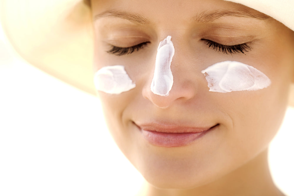 Late Concept - The efectiveness of our sunscreen depends on how we use it