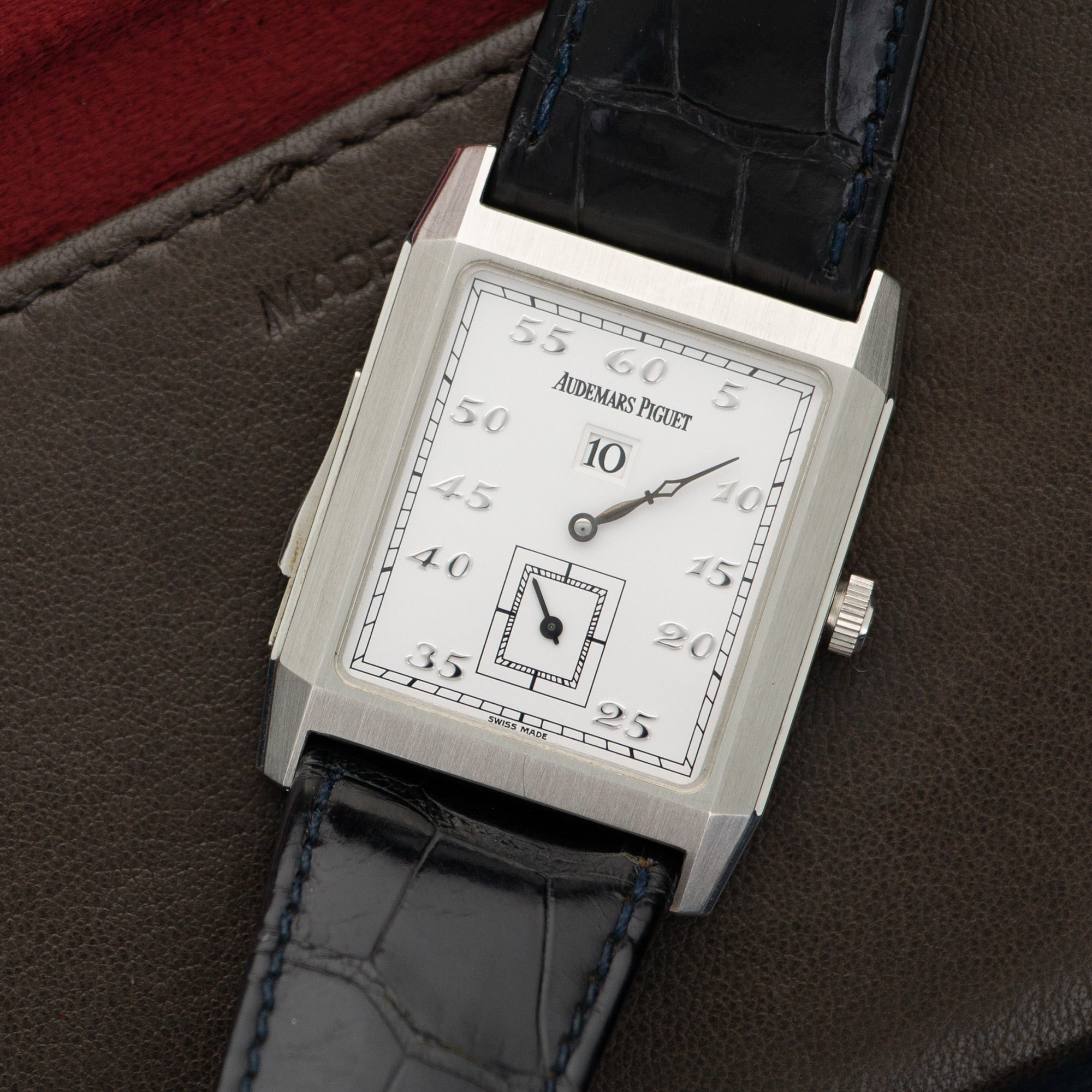Audemars Piguet Vintage 25723PT.OO.A002CR.01 Platinum  Likely Never Polished, Original Finish Gents Platinum White with Breguet Numerals 29 X 38.4mm Manual 1980s Black Crocodile Leather Travel Case