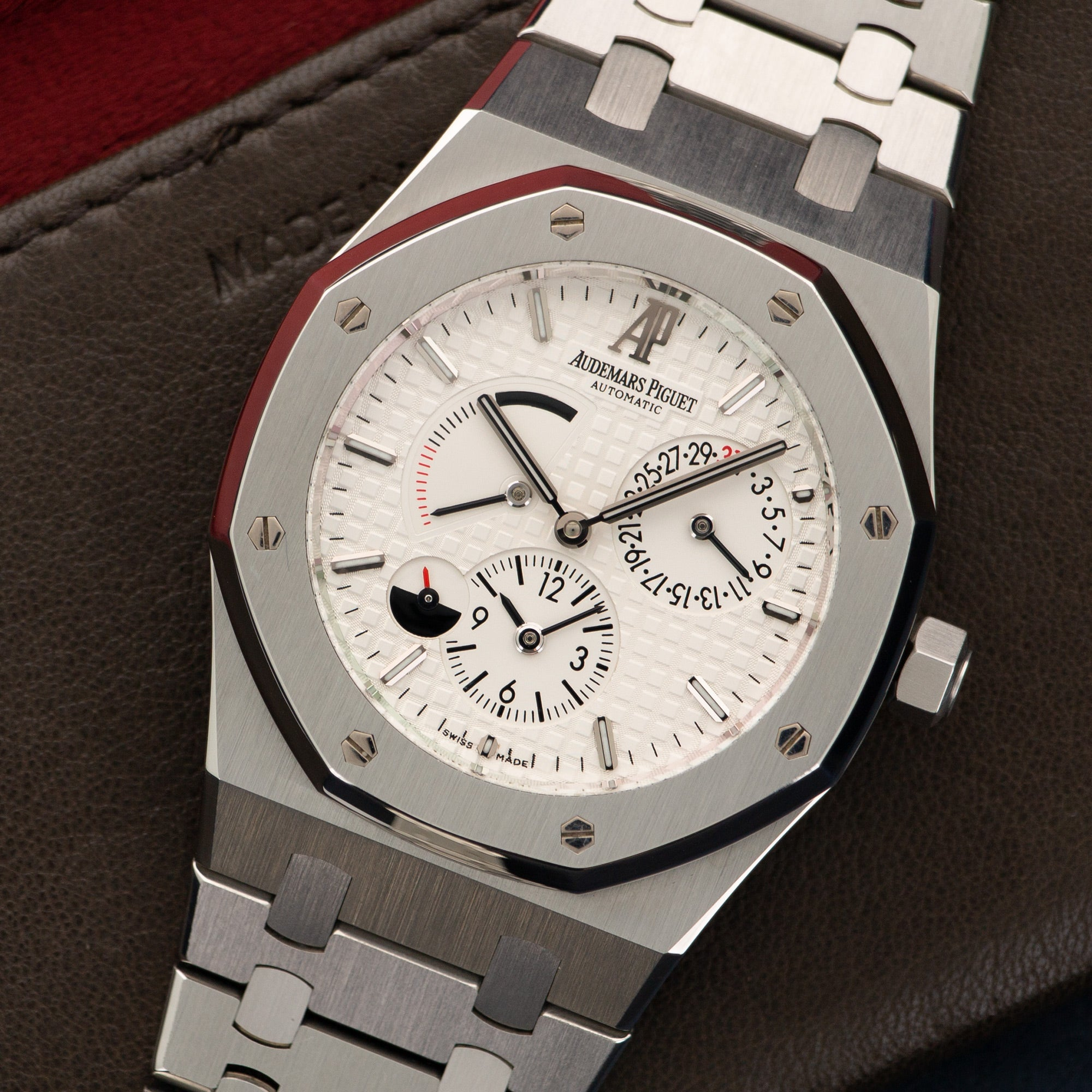 Audemars Piguet Royal Oak 26120ST.OO.1220ST.01 Steel  Mint Gents Steel Silver 39mm Automatic Current Stainless Steel Bracelet Leather Travel Case
