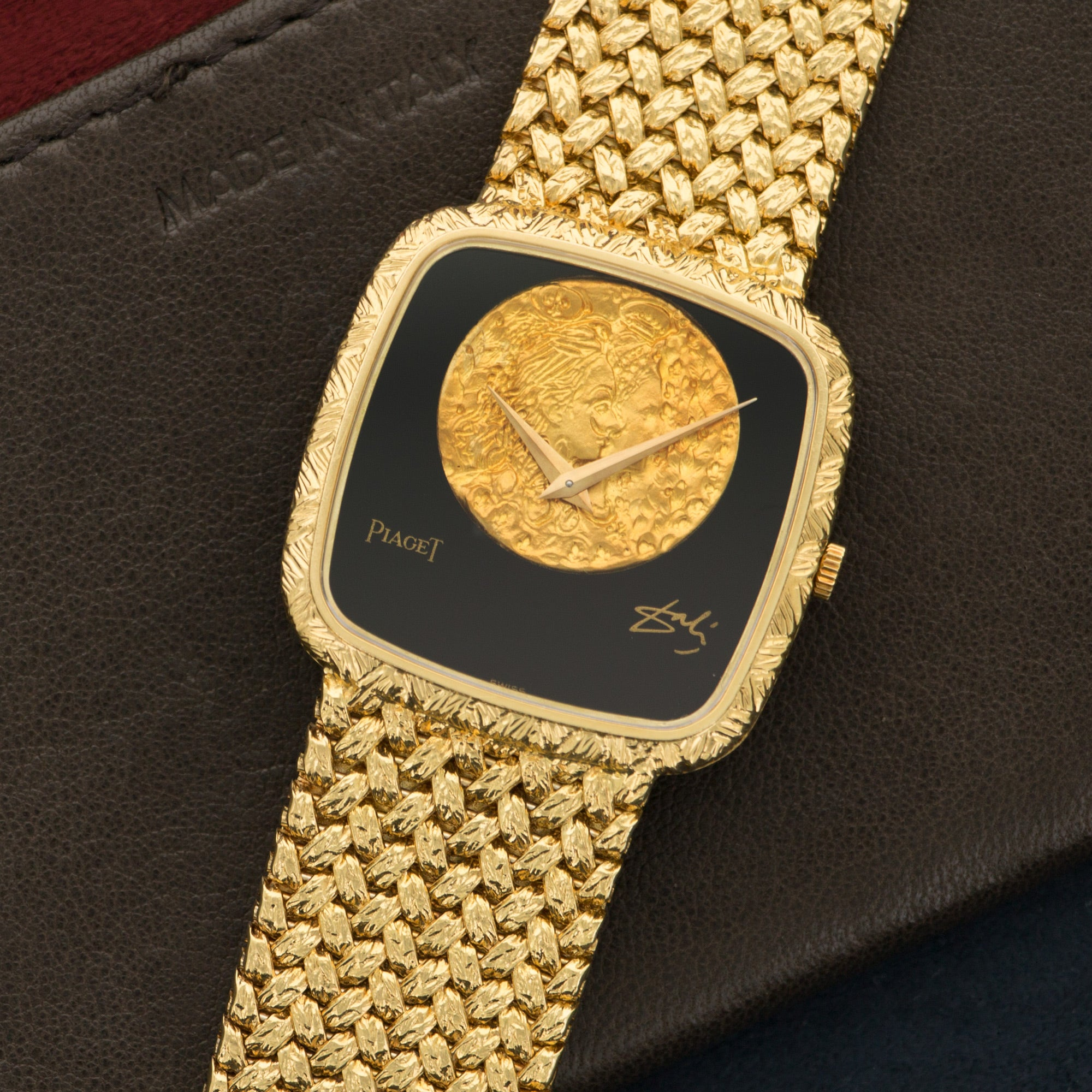 Piaget Vintage 9771 18k YG  Excellent Unisex 18k YG Onyx with Gold Coin 30mm Manual 1970s Yellow Gold (170mm) N/A