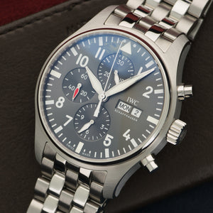 IWC Pilot IW377719 Steel  Mint NO STYLE SPECIFIED Steel Grey 43mm Automatic 2017 Steel Bracelet Original Box and Certificate
