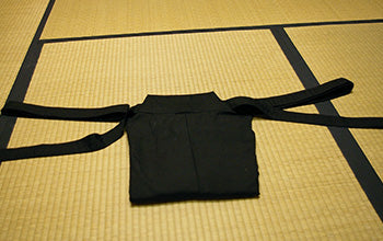 How to put on and fold Hakama 11