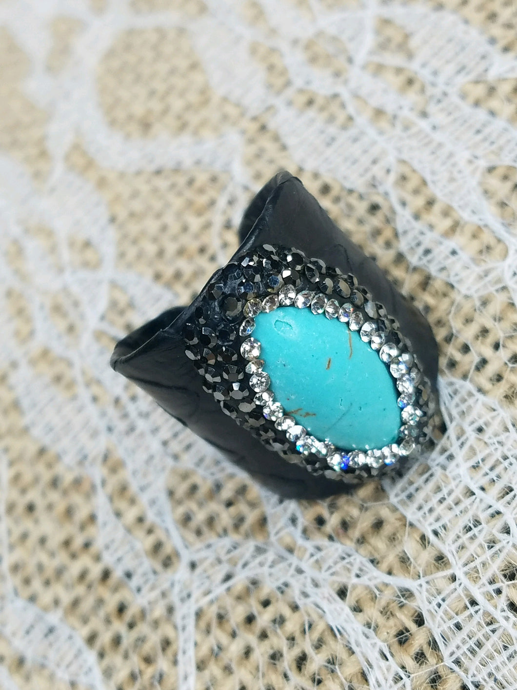 Howlite adjustable leather ring
