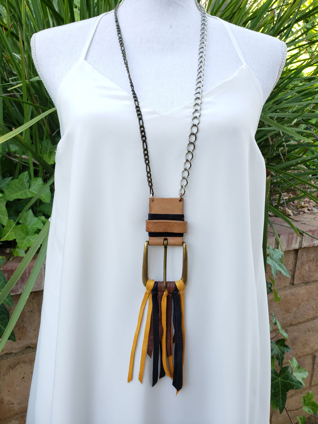 Buckle necklace