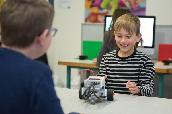 Engaging classes with LEGO Robotics