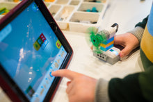 SOUTH CHRISTCHURCH LIBRARY My First Robotics with LEGO WeDo 2.0 (NEW CLASS!!)