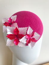 Starburst Mini - Hot Pink and White Mini Felt Button