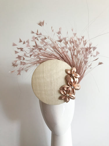 Taragh - 3D Percher Disc in Ivory with Blush Feather Spray and Rose Gold Leather Star Flowers
