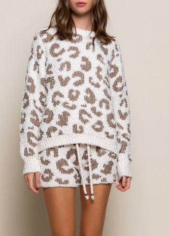 COZY LEOPARD TOP