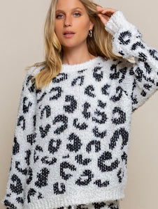 COZY DARK CHEETAH TOP