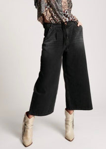 ONE TEASPOON HIGH WASIT WIDE LEG JEANS