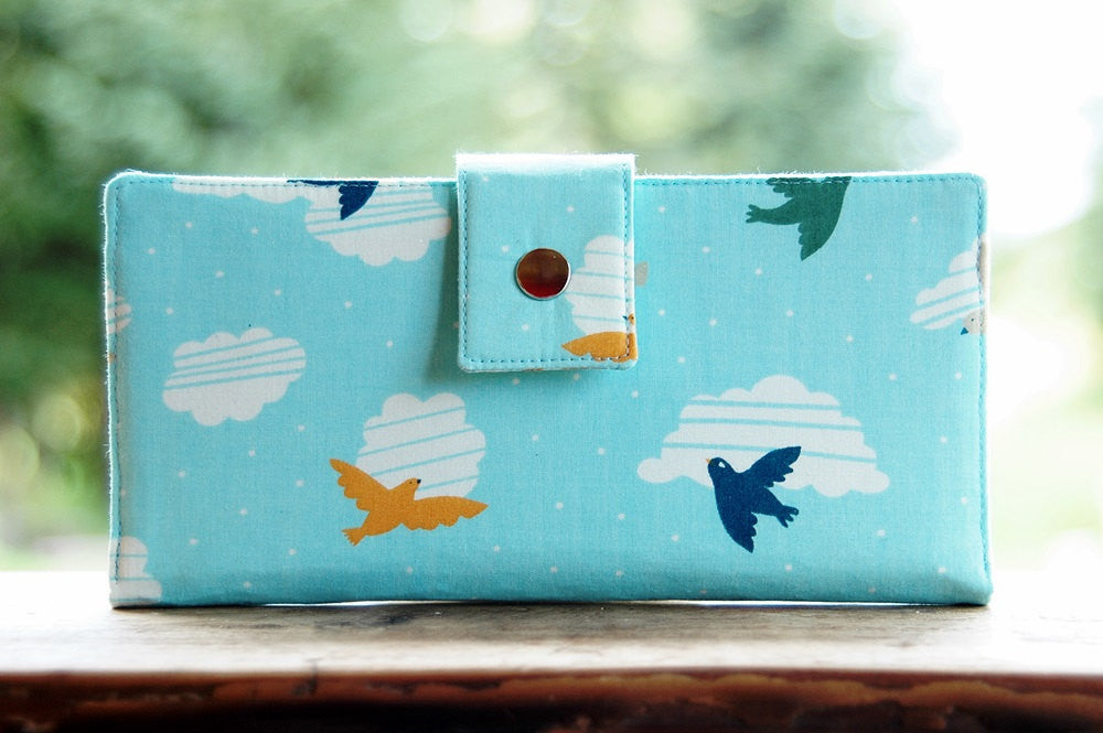 Organic women's thin wallet with birds