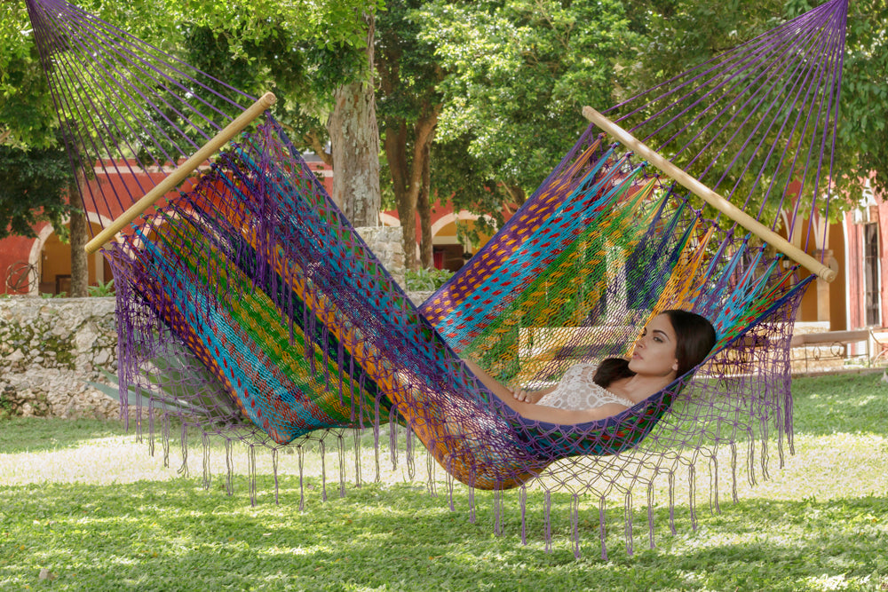 Resort Mexican Hammock with Fringe in Colorina