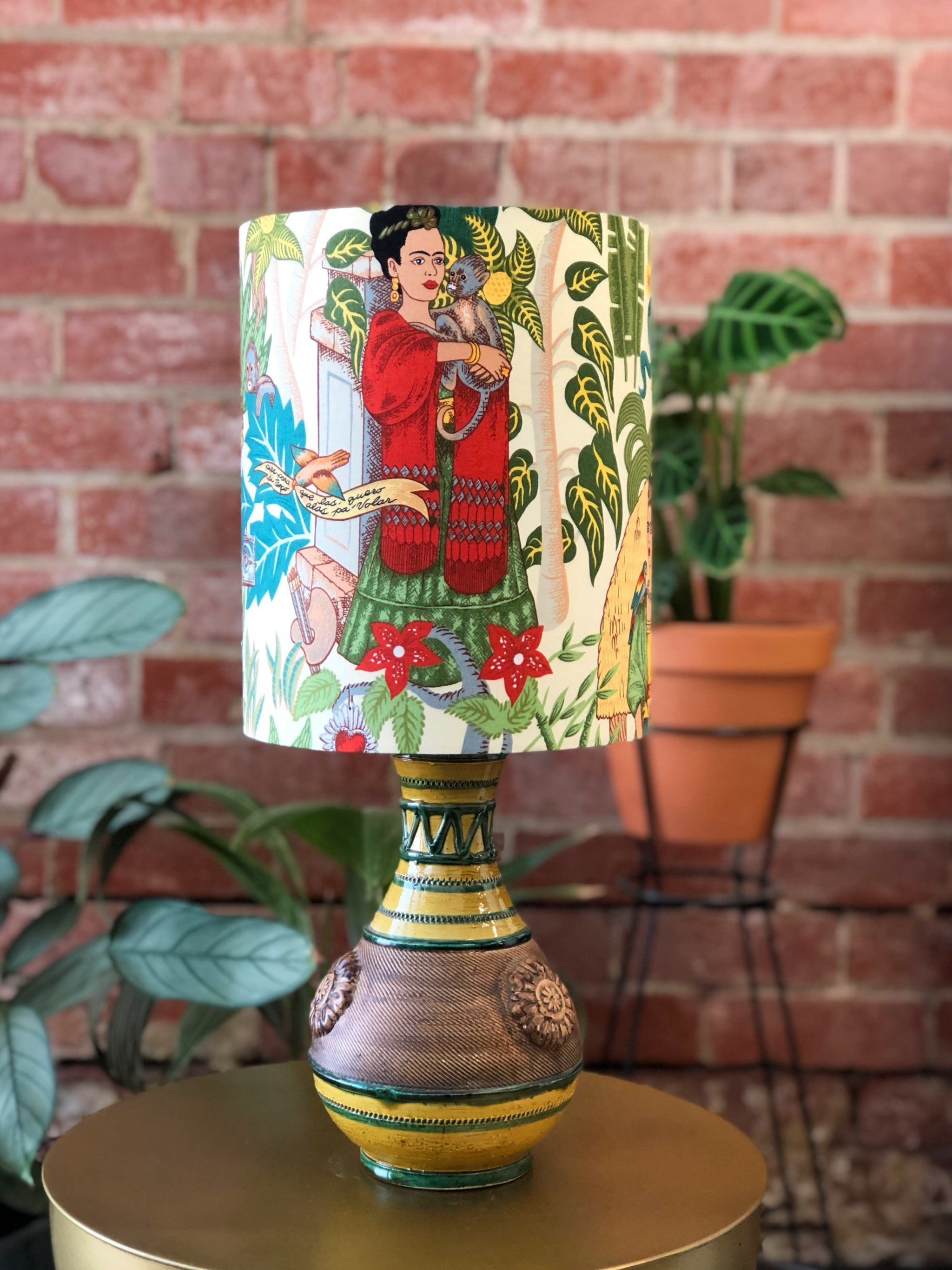 Frida Retro Lamp Cream