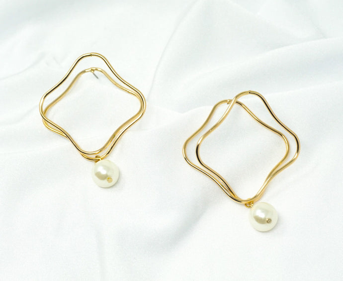 Squared2 Pearl Earrings