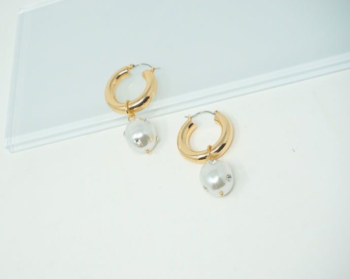 Pearl of Wisdom hoop earrings