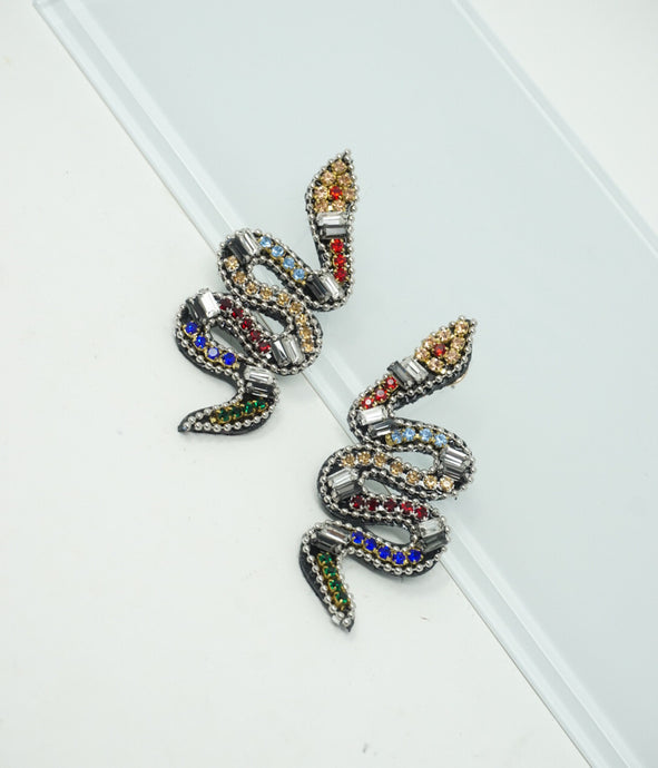 Small snakes in the grass earrings