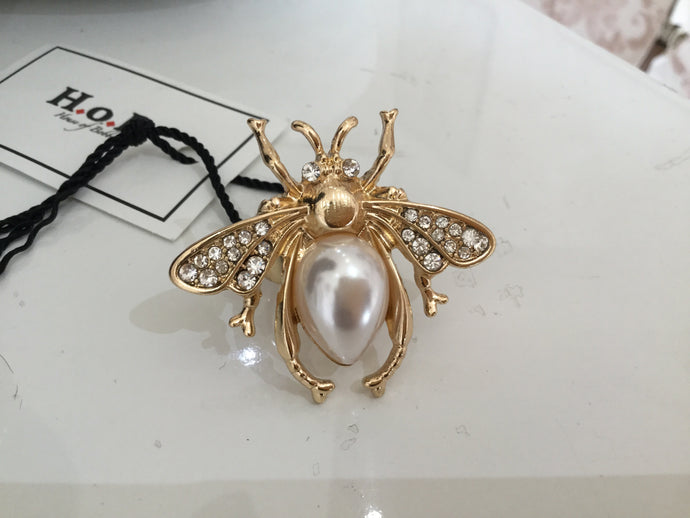 Busy Bee Rings- oval pearl