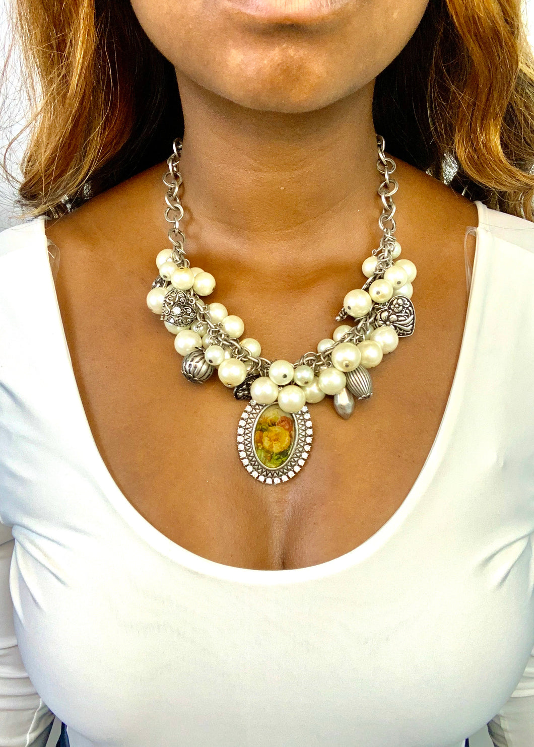 Pearl Charm Necklace with Roses