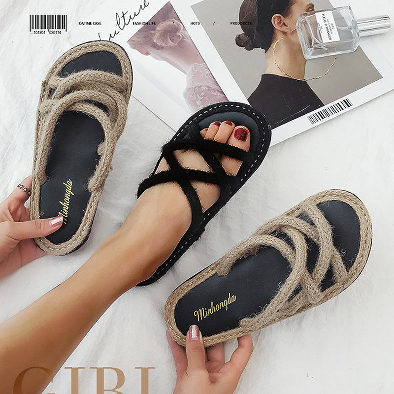 Pi Clue Flat Heel Casual Slippers
