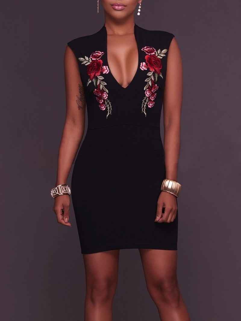 Embroidery Sleeveless Sheath Dress