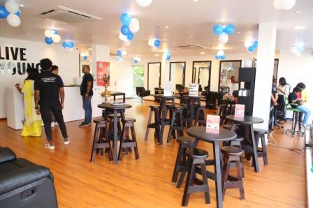 Sinima salon kadavanthra interior