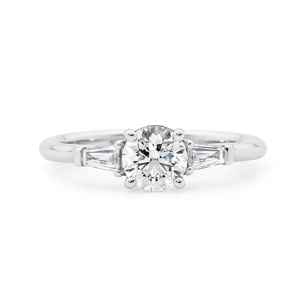 18ct White Gold 2 Baguette Cuts Diamond Ring