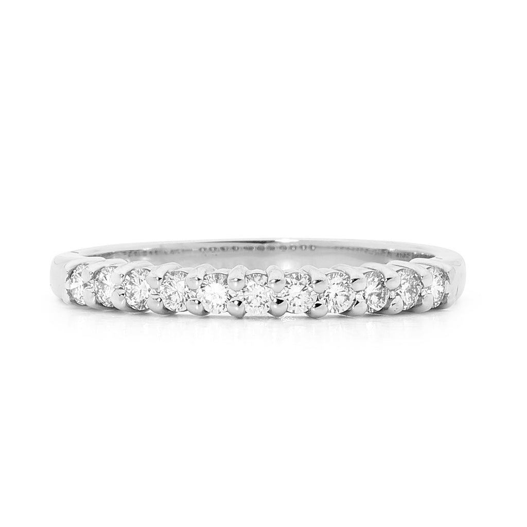 Individual claw set diamond ring