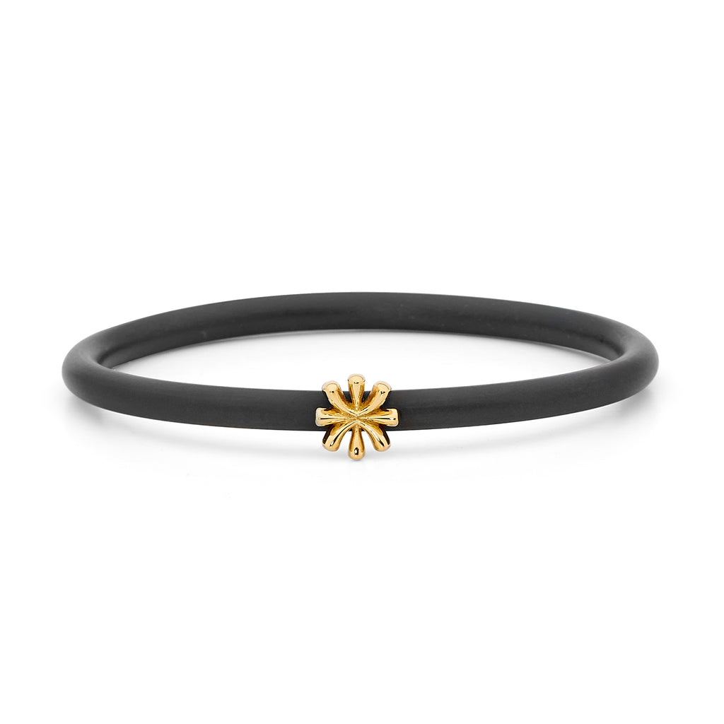 18ct Gold Flower Bangle
