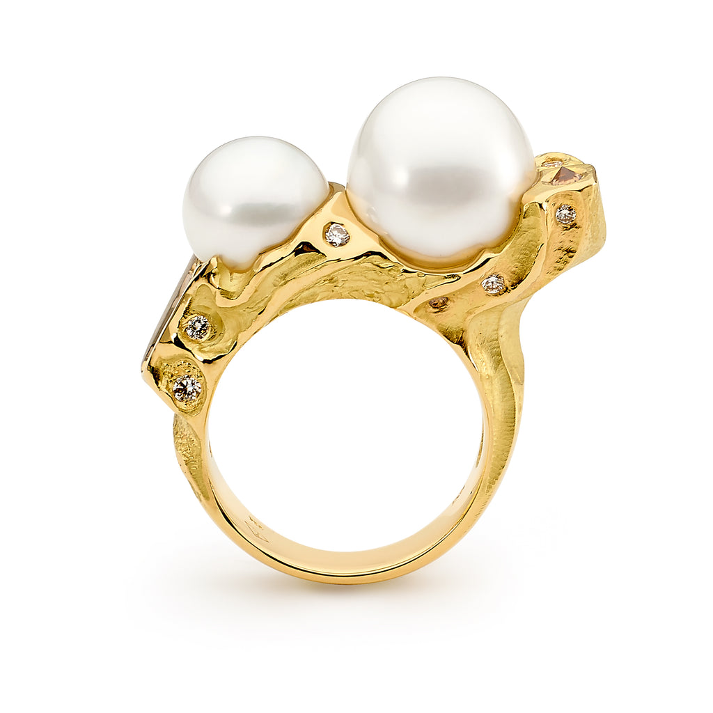 18ct yellow gold pearl and diamond ring