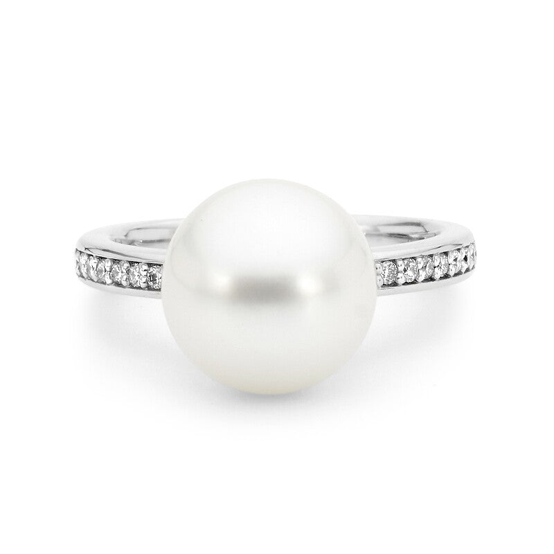 Cocktail Pearl & Diamond Ring