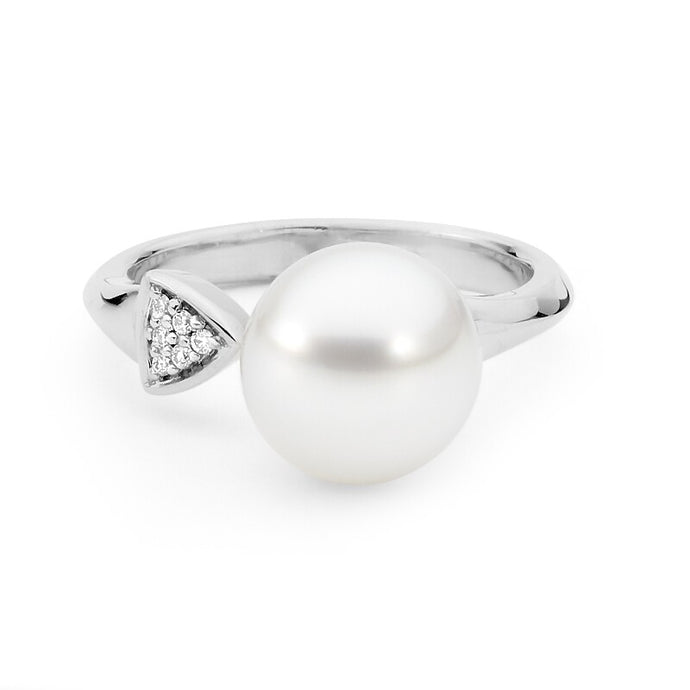 Arrowhead Pearl and Diamond Ring